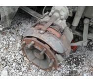 Передняя ступица на RENAULT magnum 2006